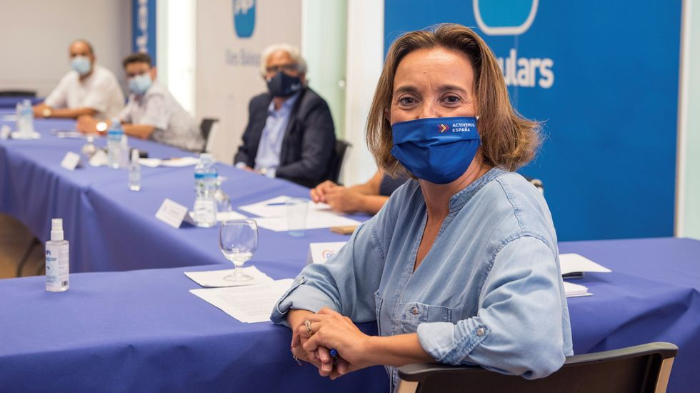 Cayetana Álvarez de Toledo se estrena en Youtube.Ana Pontón y Gonzalo Caballero, en el Parlamento de Galicia