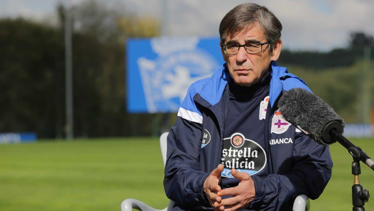 Fernando Vázquez: «<span lang= gl >Hai grandes xogadores, e hai grandes entrenadores en tódolos equipos de Segunda B</span>»