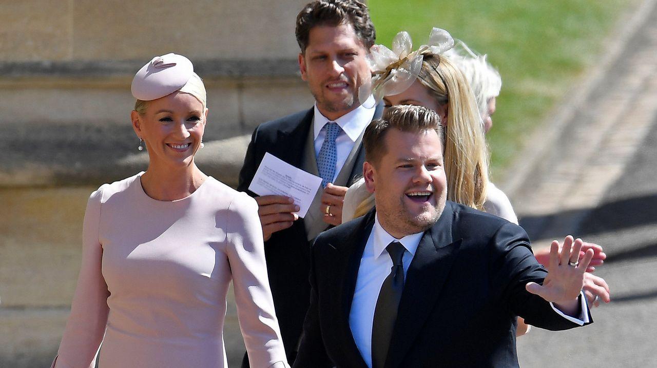 James Corden junto a su mujer, Julia Carey