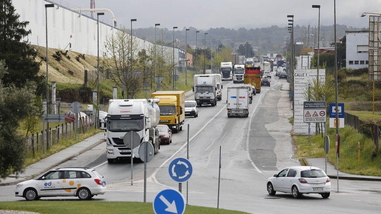 alu.Trabajadores de Ferrol y Fene compartieron marcha cortando el tráfico en algunos tramos de las principales vías de la zona