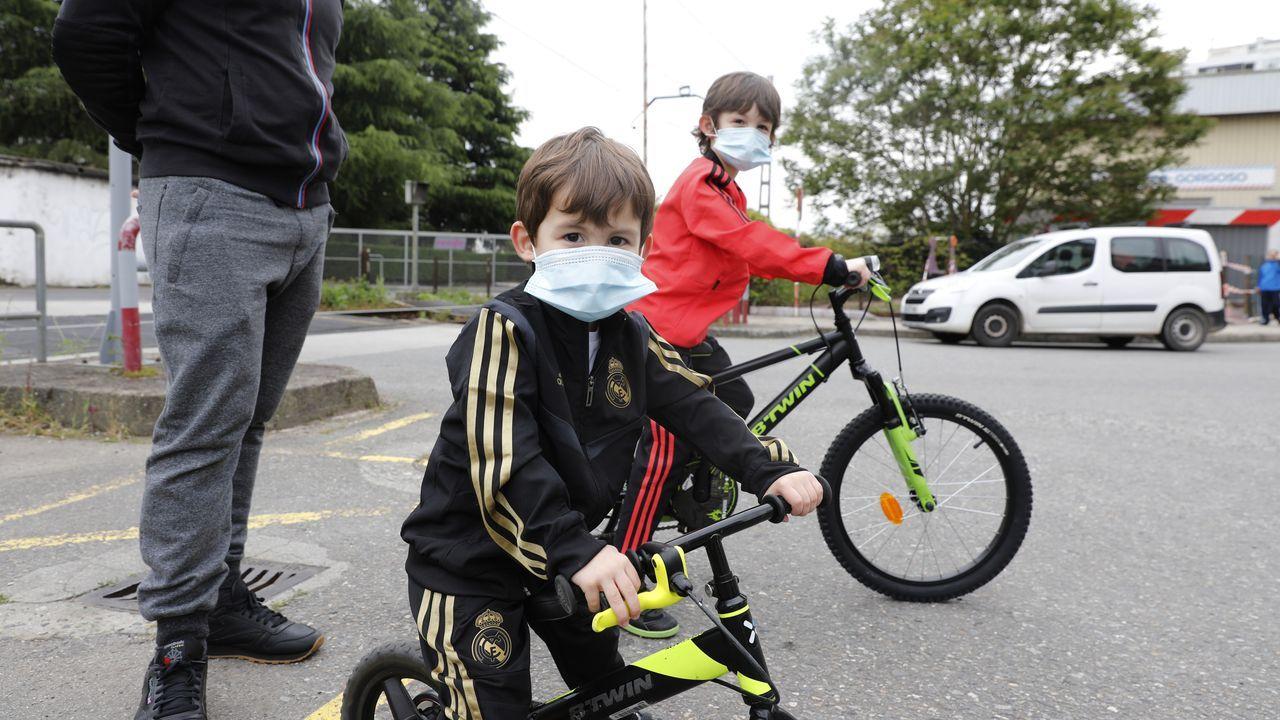 Primer dia en que los niños ourensanos pueden salir a la calle