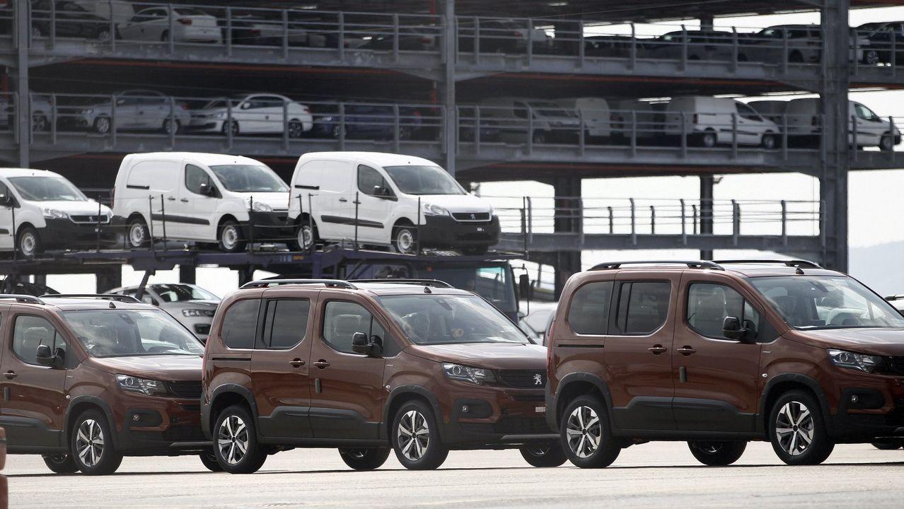 Los 25 coches con los que Vigo motorizó a Europa en menos de 3 minutos.Peugeot presentó un prototipo 100% eléctrico y  autónomo