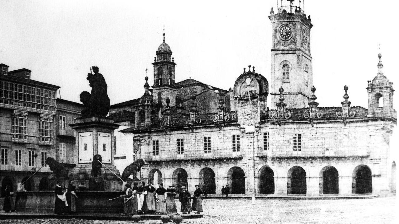 A Praza Maior no século XIX coa fonte dos leóns