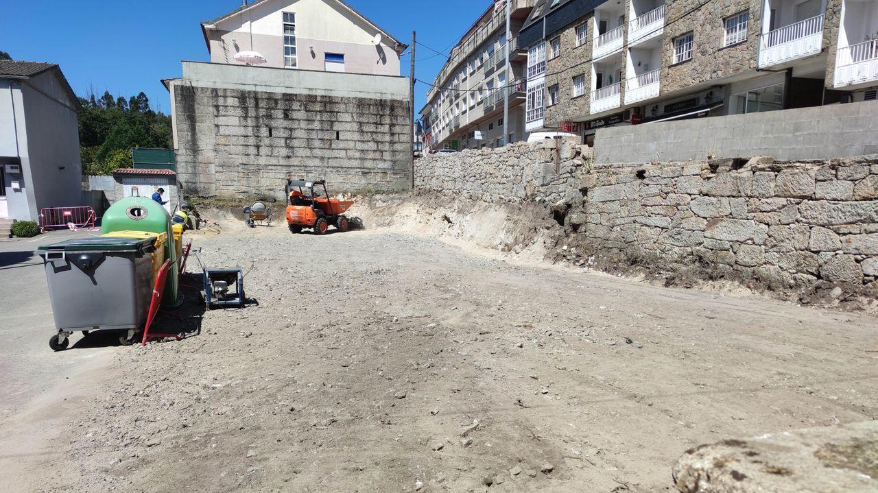 Parcela en la que se habilita un estacionamiento público en Ponte Caldelas