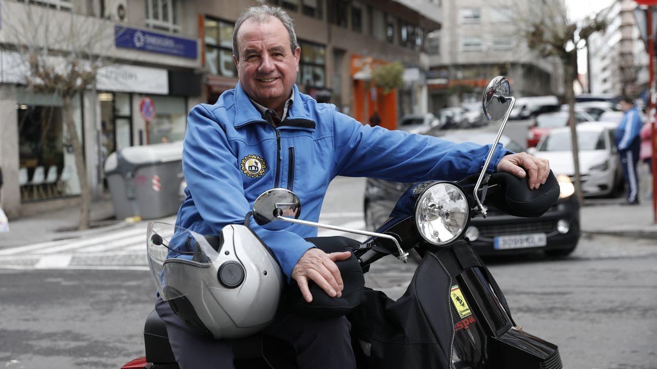 Daniel Díaz, un piloto de motocrós de siete años.Un aparcamiento de motos en Gijón