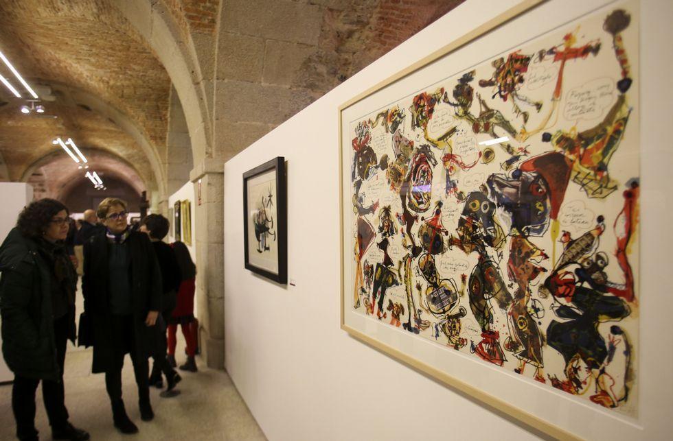 Visita de los Reyes y sus hijas al museo modernista Can Prunera.Miembros del jurado de Cooperación Internacional