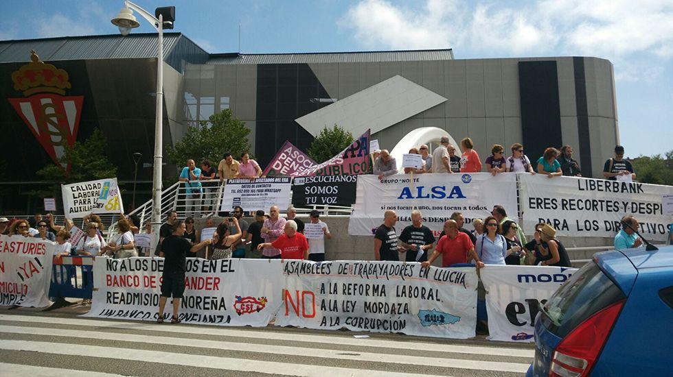 Protestas de la Asamblea de Trabajadores en Lucha en la inauguración de la FIDMA 2017