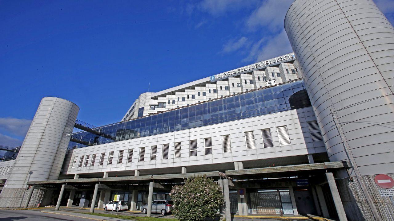 En el hospital Montecelo, en Pontevedra, hay este miércoles 69 pacientes covid ingresados en planta y 15 graves en unidades de críticos