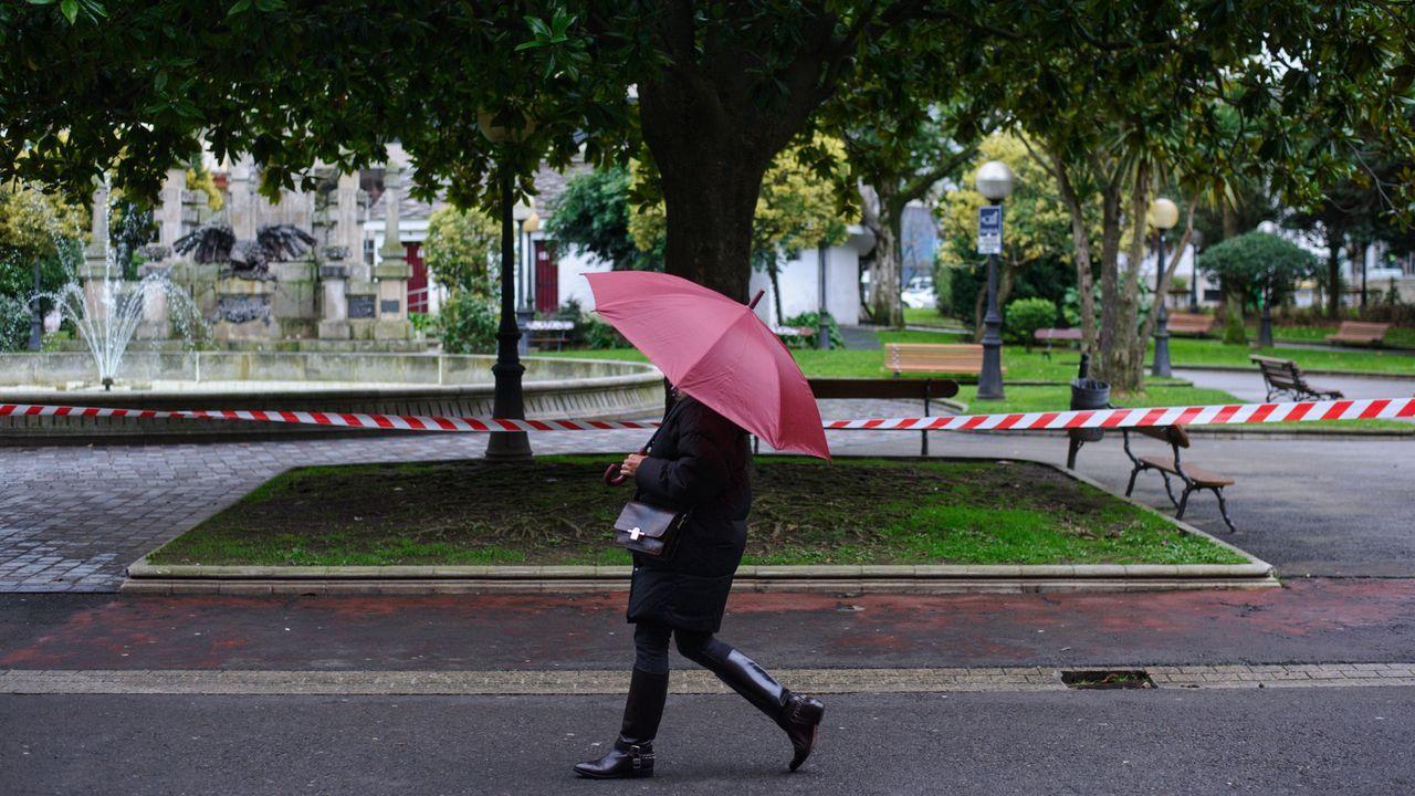 Parques cerrados en A Coruña por precaución ante la llegada de la fuerte borrasca Elsa