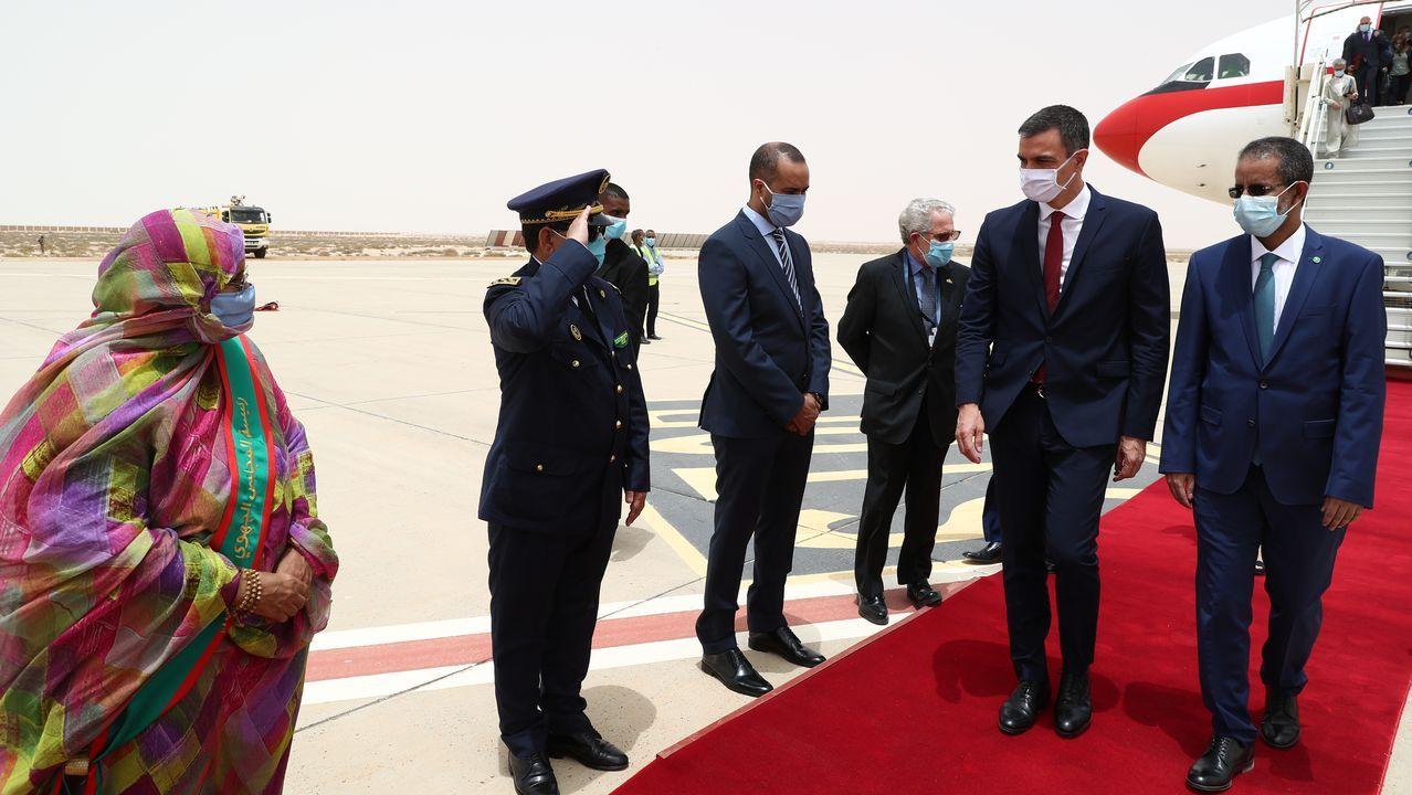 El primer ministro de Mauritania, Ismail Ould Bedde Ould Cheikh Sidiya, recibe a Pedro Sánchez en el que es su primer viaje oficial desde la crisis causada por el covid-19