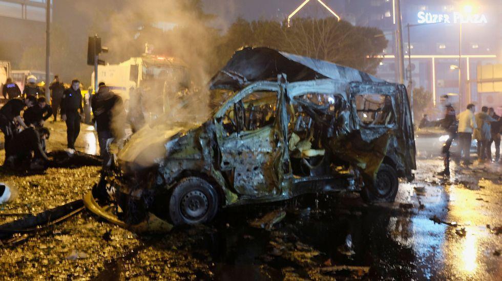 Así se vivió el doble atentado de Estambul.Primera imagen del autor de la matanza de Estambul