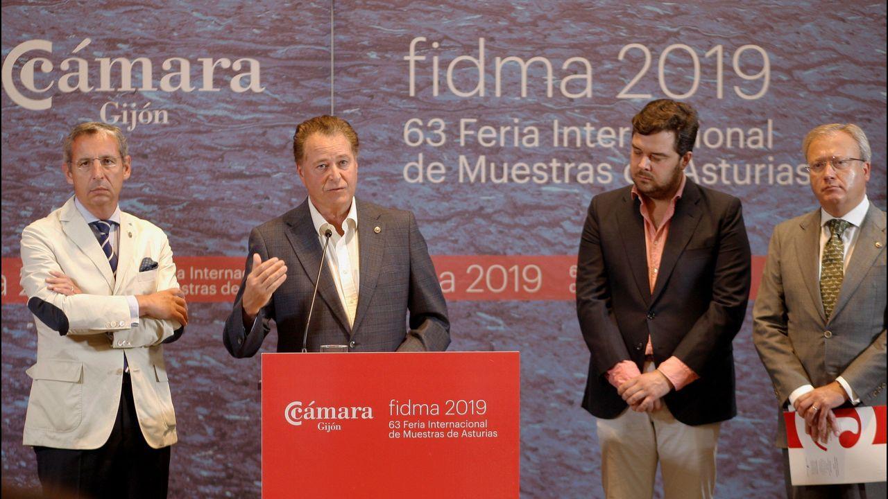Barbón se estrena en la Universidad.De izquierda a derecha, Pedro López Ferrer, Félix Baragaño, Álvaro Alonso y Hugo Fontela, ayer, en la presentación de la 63 Feria Internacional de Muestras de Asturias