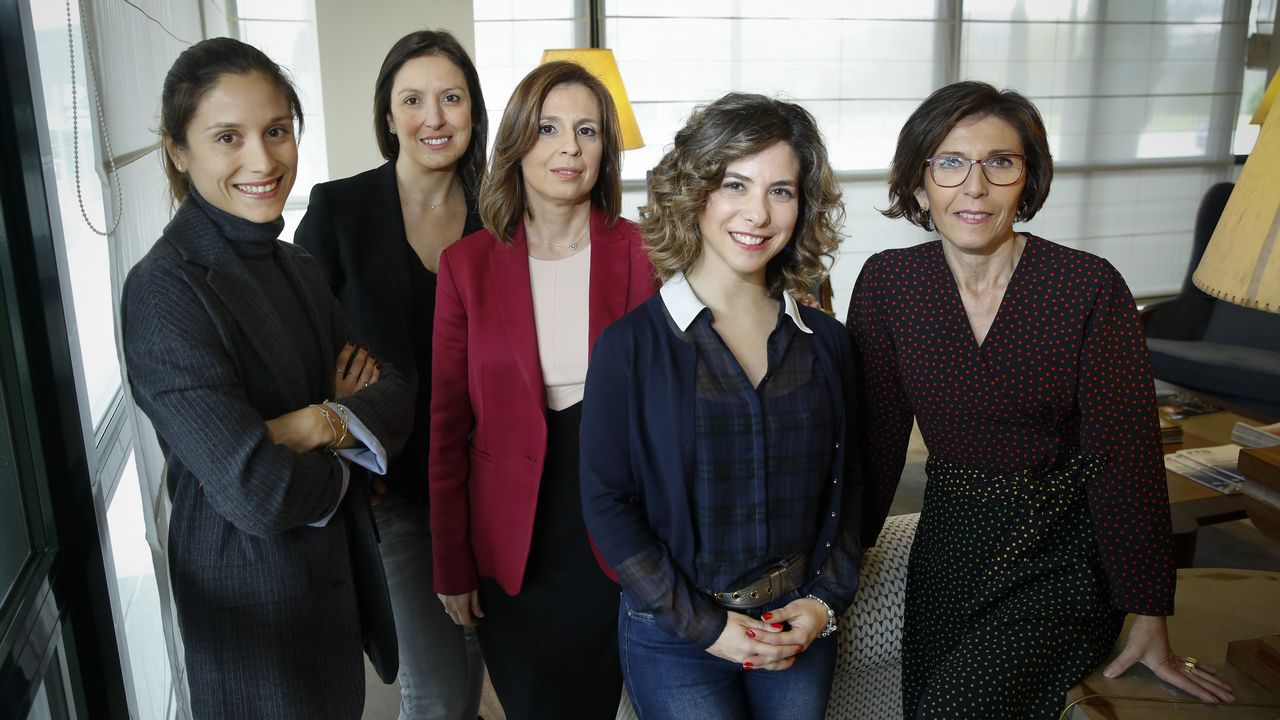 «He renunciado a tener hijos para desarrollar mi carrera profesional».Logo de Buenavista Sirona, una de las clínicas pertenecientes a ACAI