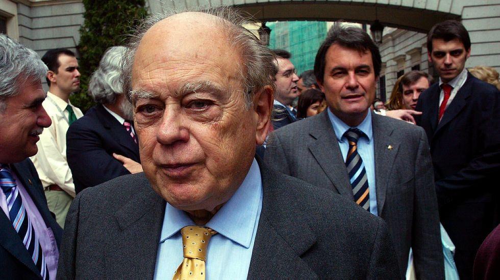 Feijoo advierte a Mas que es más fácil agitar banderas que pagar facturas.