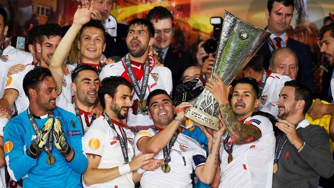 Rubiales: «Se ha cumplido mi compromiso con el fútbol español».Celebraciones de la Liga Europa del 2016