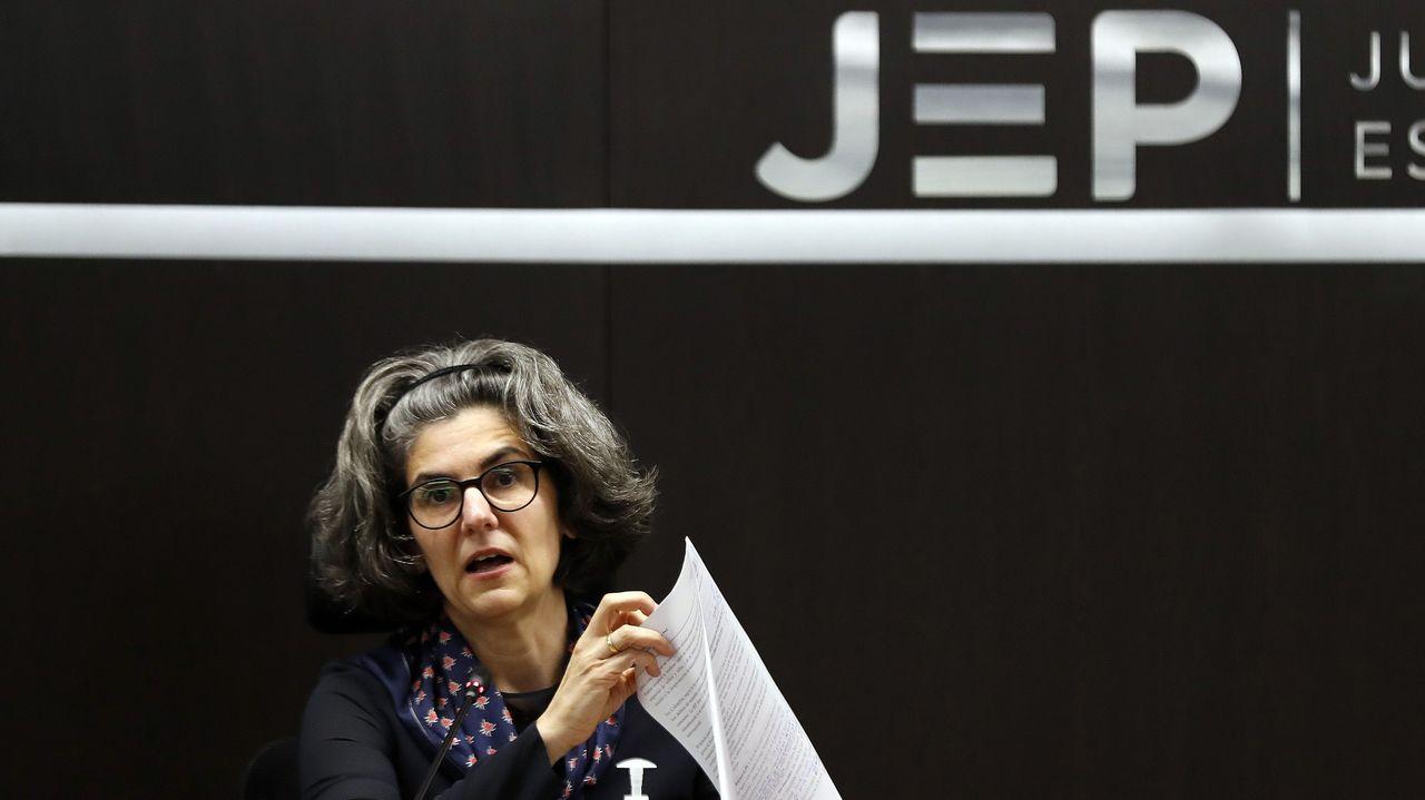 La magistrada Julieta Lemaitre, de la Sala de Reconocimiento, durante la rueda de prensa sobre los crímenes de guerra imputados a las FARC