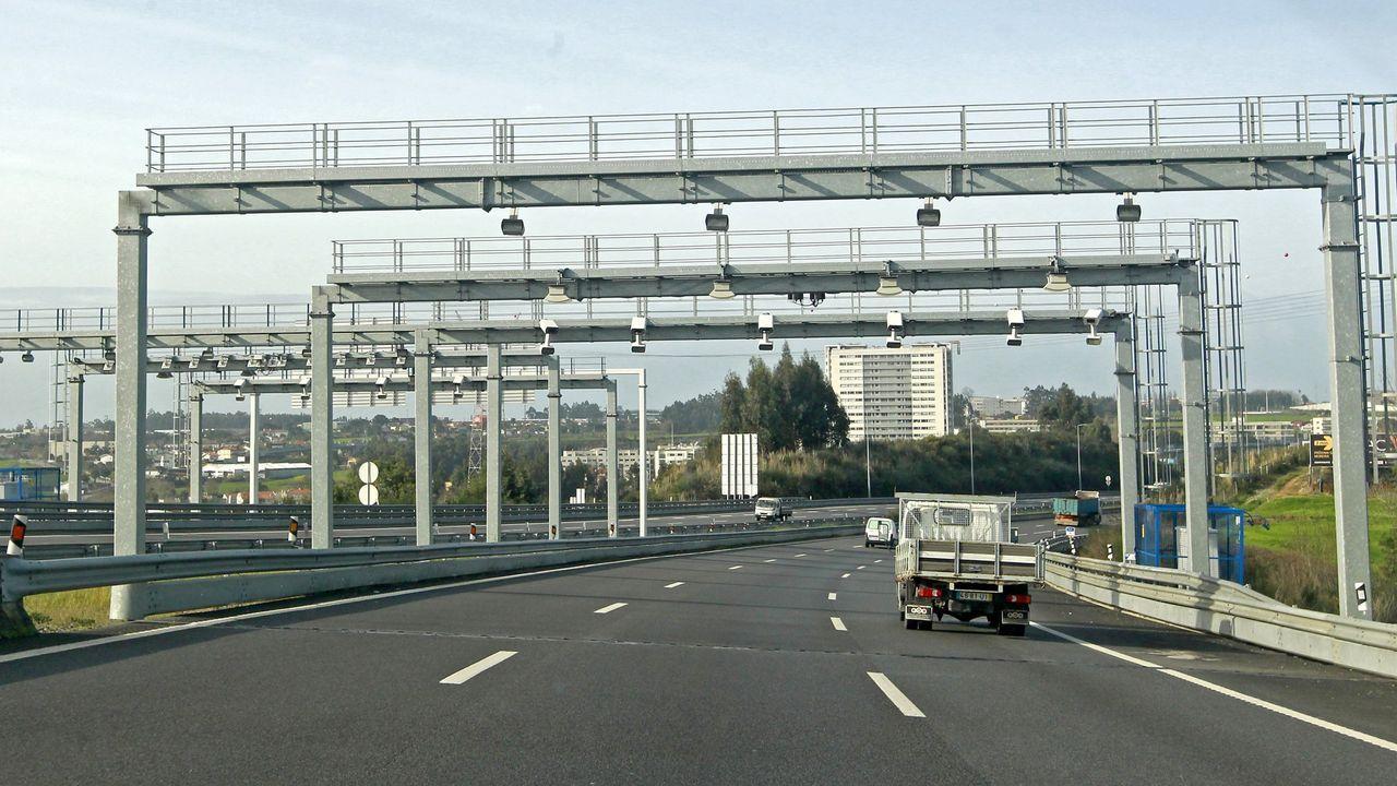 Pórtico para cobrar por el uso de una autovía, en Portugal