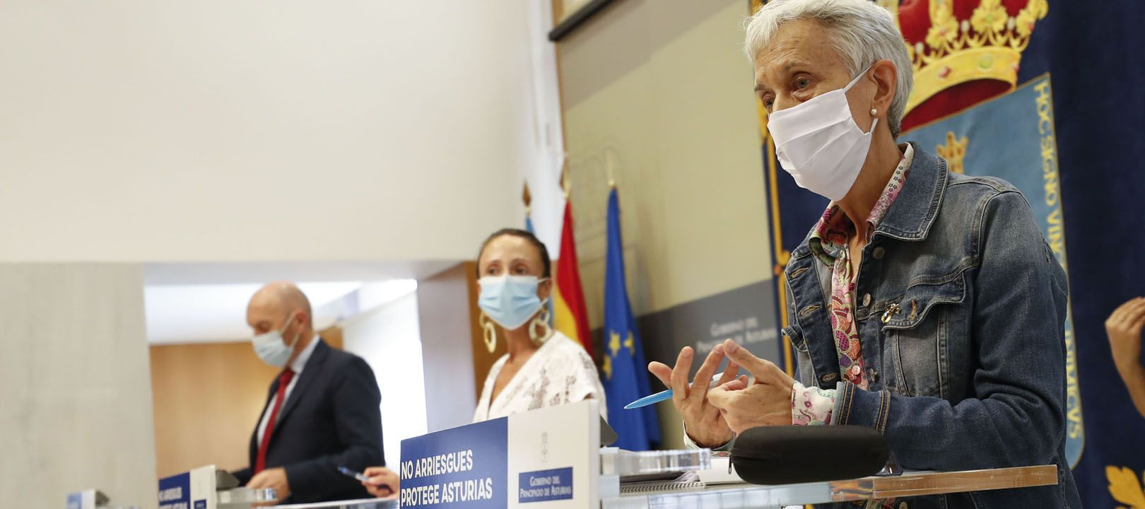 La portavoz del Gobierno y consejera de Derechos Sociales y Bienestar, Melania Álvarez; el vicepresidente y consejero de Administración Autonómica, Medio Ambiente y Cambio Climático, Juan Cofiño, y la consejera de Educación, Carmen Suárez.