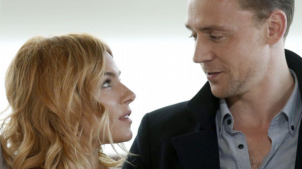 Sienna Miller y Tom Hiddleston
