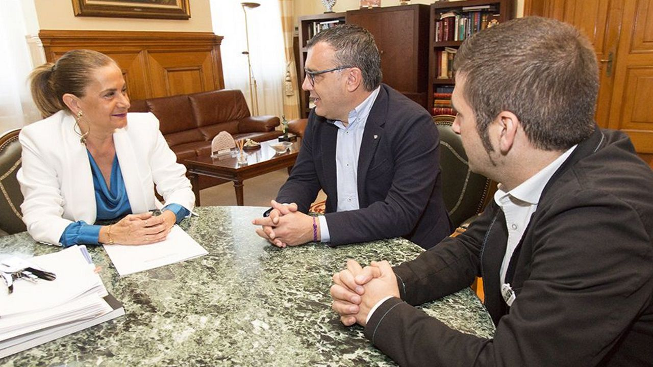El PSOE de Vigo celebra la victoria de las generales.El monologuista Miguel Sincero tendrá en Galicia tres fechas, en Pontevedra, Cangas y Vigo.