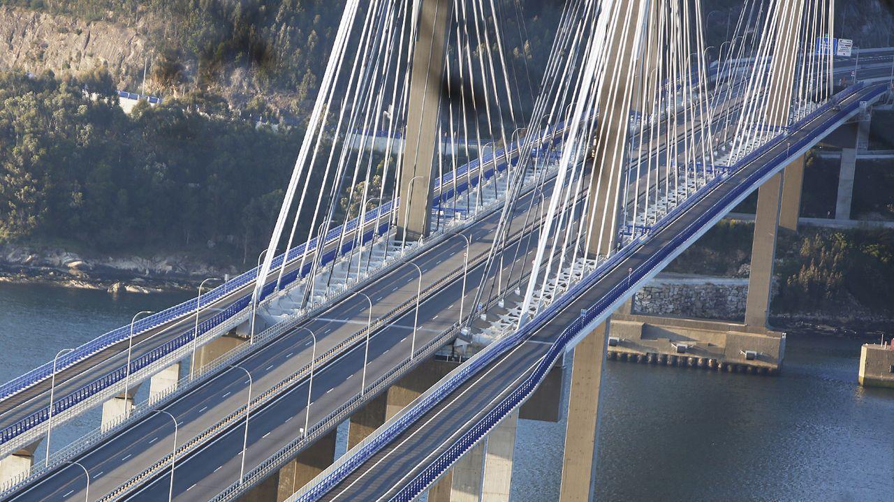 La AP-9, en el Puente de Rande, en Vigo
