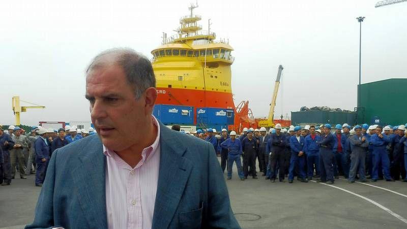 Llamazares se reunió con el comité de empresa y con Álvaro Platero, propietario de Gondán.