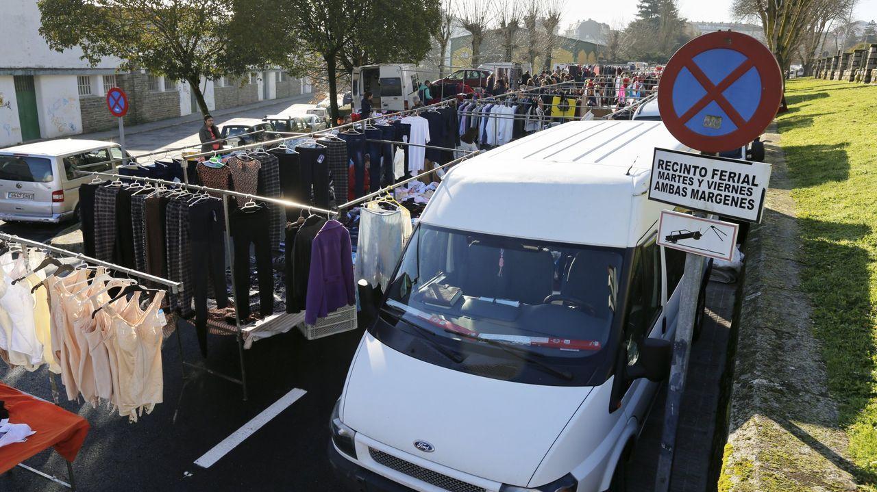 La comunidad musulmana de la provincia de Lugo se une en el Pazo de Feiras e Congresos para el rezo del último día de Ramadán.Los puestos del mercadillo de Frigsa se trasladarán al aparcamiento del Gustavo Freire