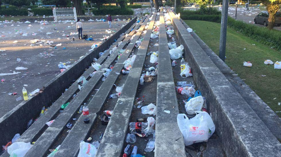 El Campus amaneció de basura hasta la bandera