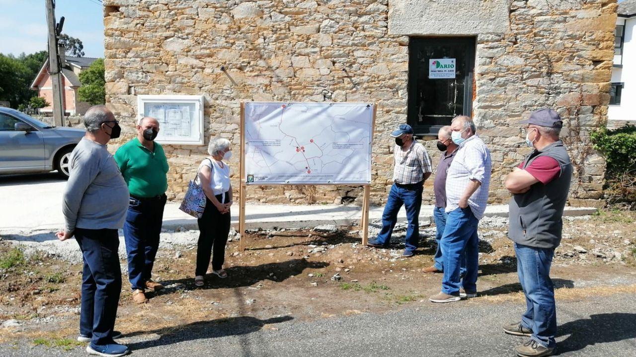 Miembros del gobierno local presentaron el proyecto a vecinos de la parroquia