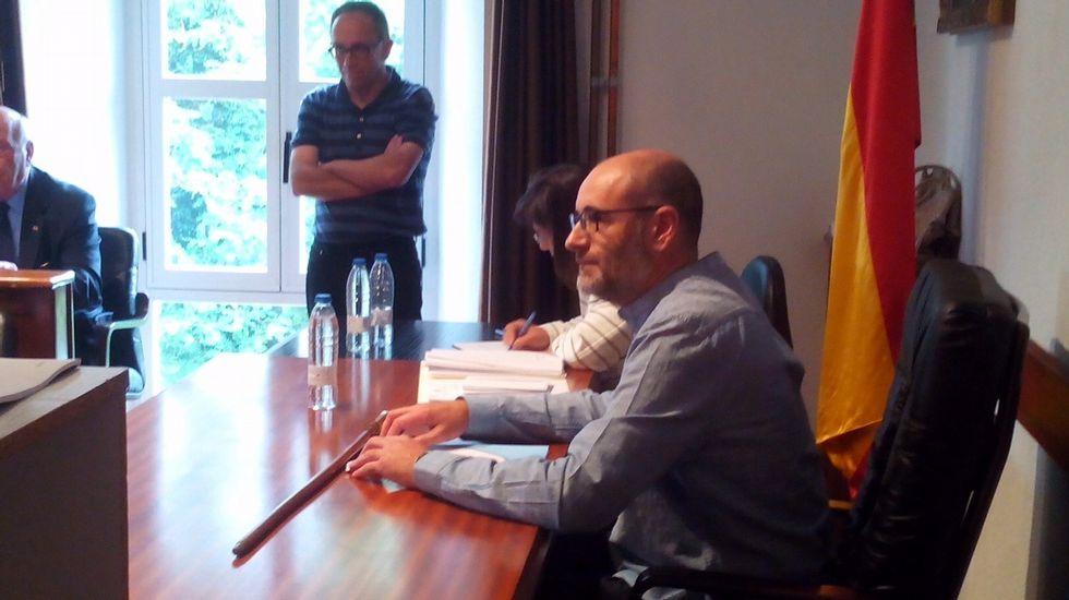 Secundino Fernández logró el bastón de mando de Viana do Bolo para el BNG con apoyo del concejal del PSOE