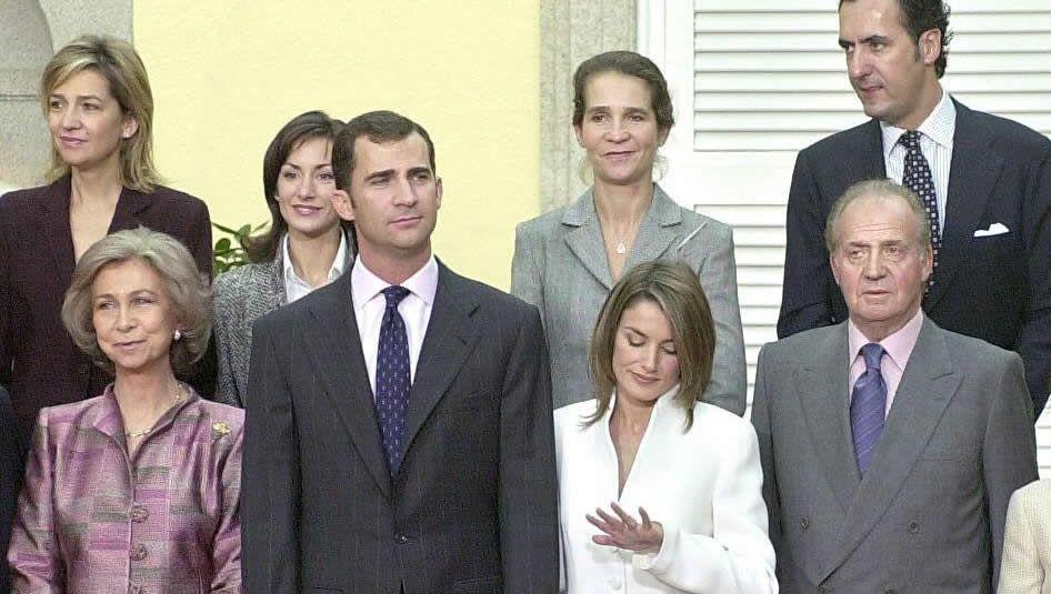 Anuncio del enlace del Príncipe Felipe con Letizia Ortiz