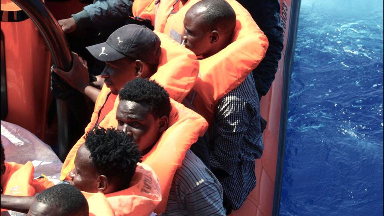 Algunos de los 81 migrantes rescatados este domingo con el barco humanitario Ocean Viking frente a las costas de Libia