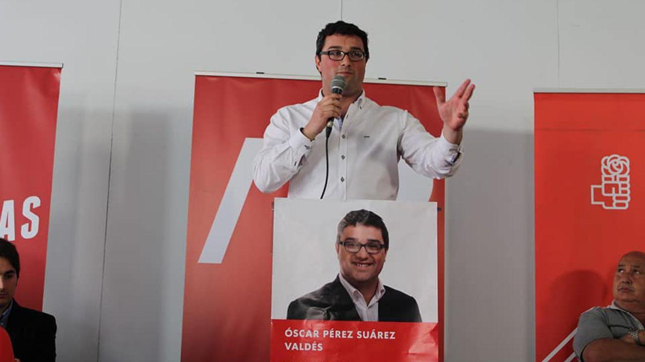 Asturianos con sombrero.Óscar Pérez, del PSOE de Valdés
