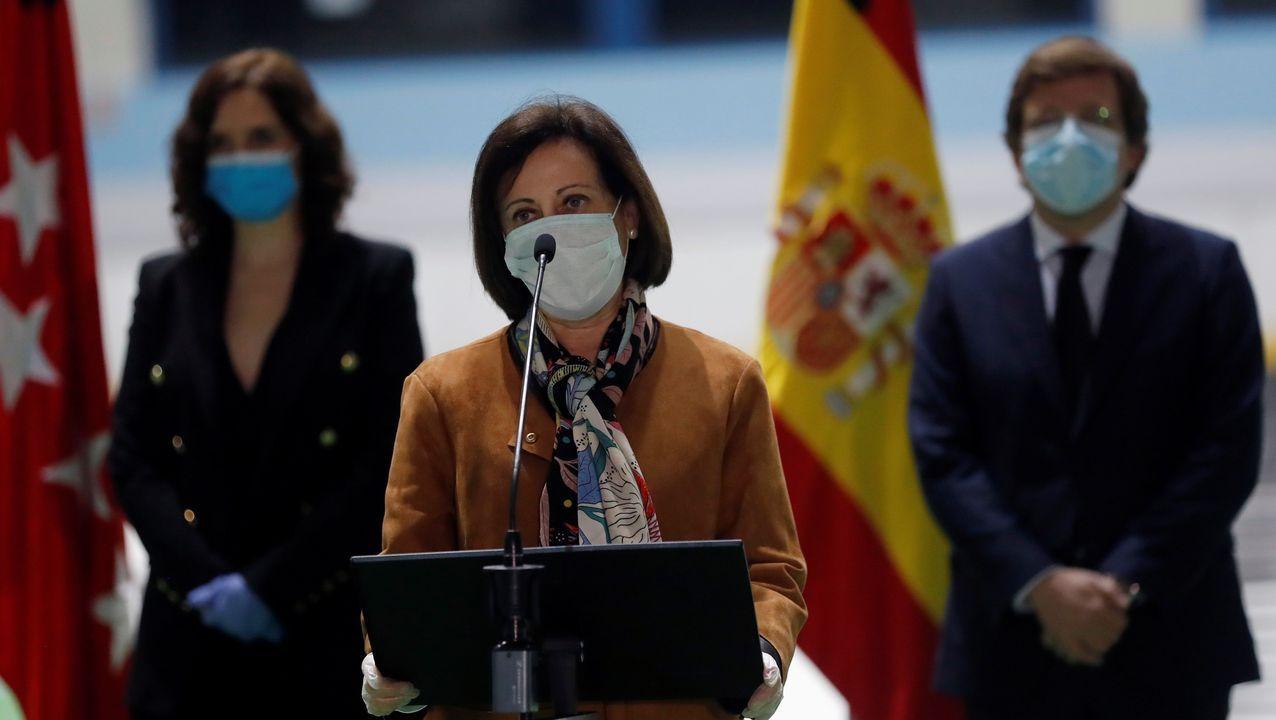 Simón informa de los datos de la pandemia en España junto a la directora del Instituto de Salud Carlos III.Isabel Serra, durante un mitin de la pasada campaña electoral