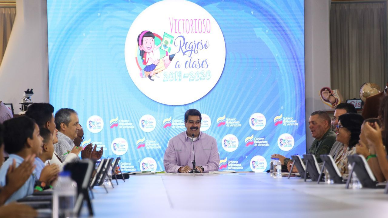 Maduro, en un especial televisivo de regreso a las clases