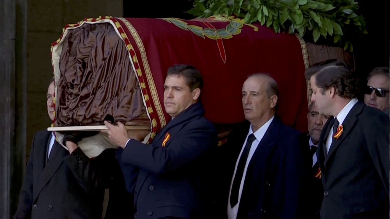 La tumba de Franco está en la nave central de la Basílica del Valle de los Caídos