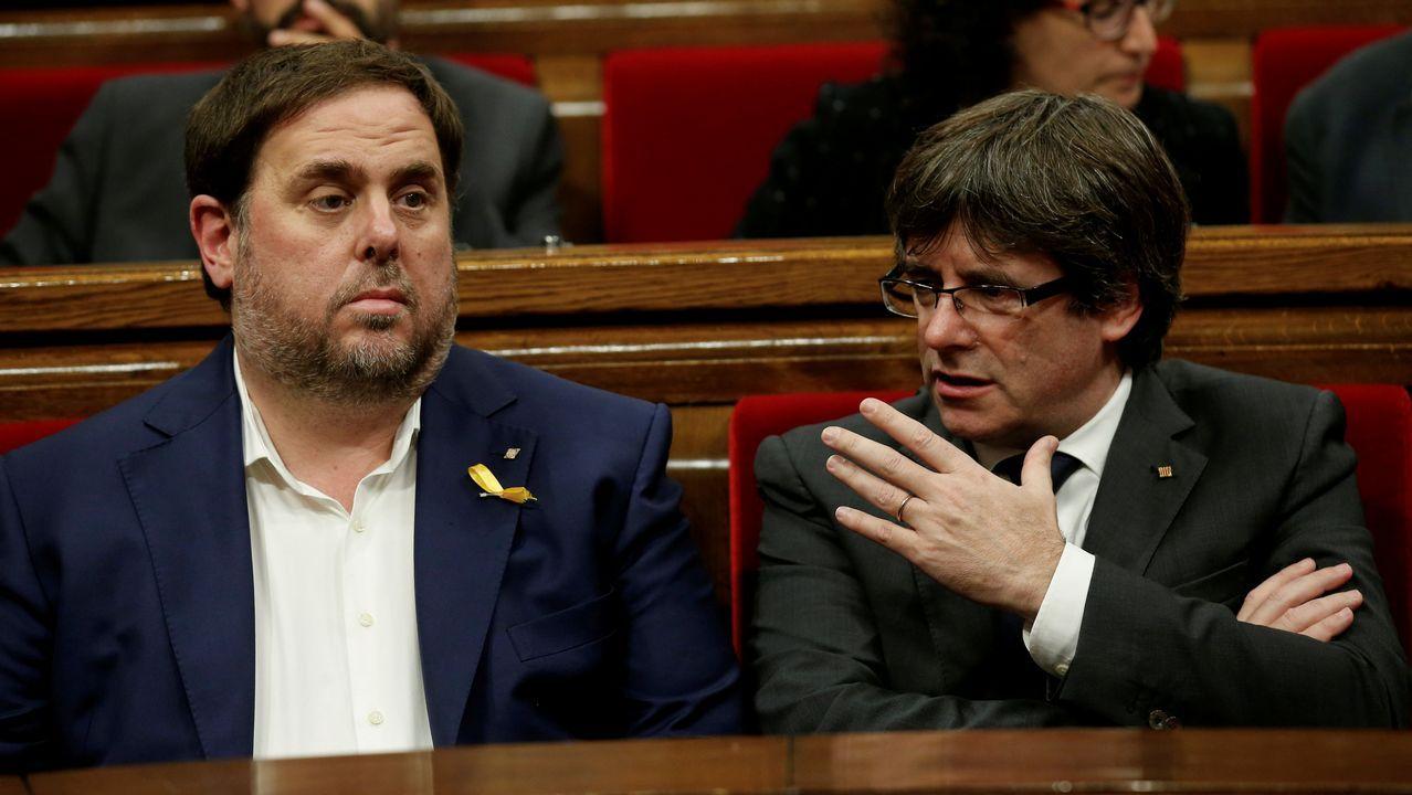 El himno de España se cuela en la ofrenda floral del Govern por la Diada.Puigdemont y Junqueras, en una imagen de archivo