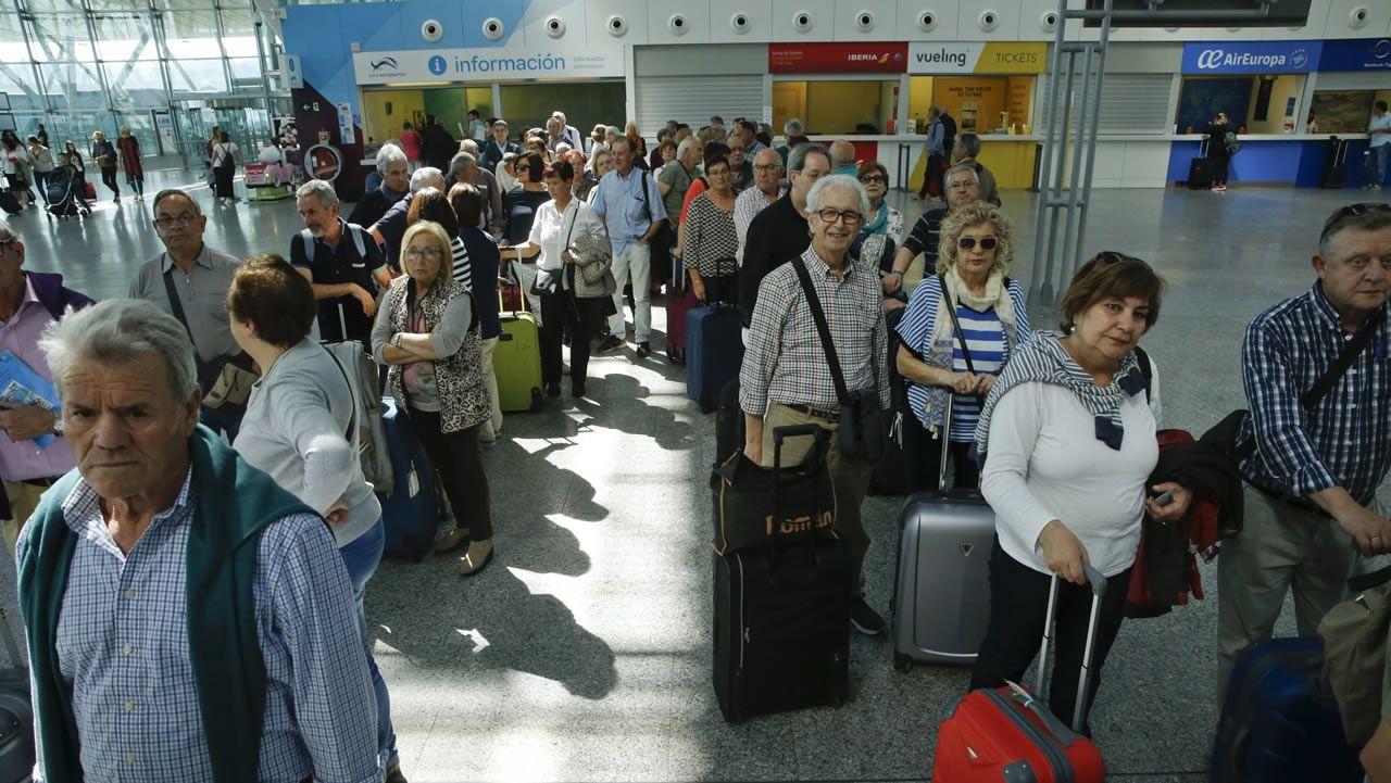 Afectados por las cancelaciones ayer en Barajas