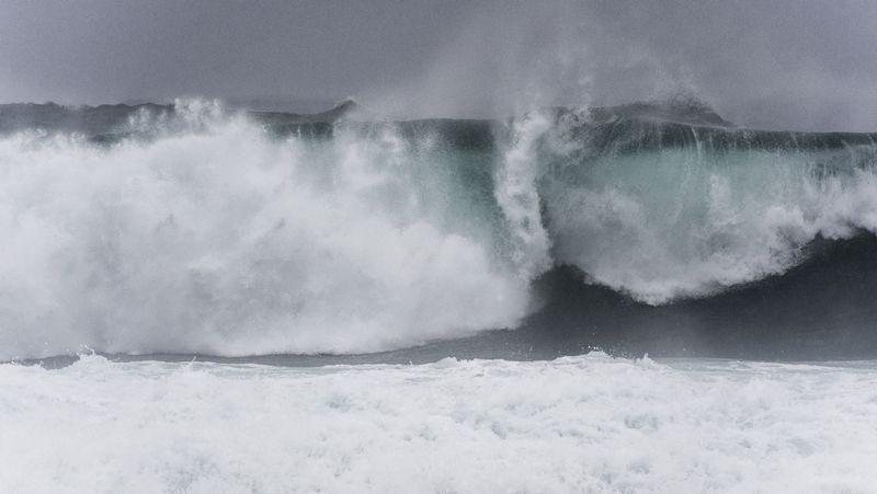 El primer gran temporal del invierno en Galicia.El gasoducto se construyó en un tiempo récord, 11 mesesm y supuso un reto para la ingeniería especialmente en la ría de Ribadeo.