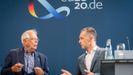El Ministro de Asuntos Exteriores alemán, Heiko Maas, y el alto representante de la Unión para Asuntos Exteriores, Josep Borrell, en la rueda de prensa tras las conversaciones informales entre los ministros homólogos de la UE en Berlín