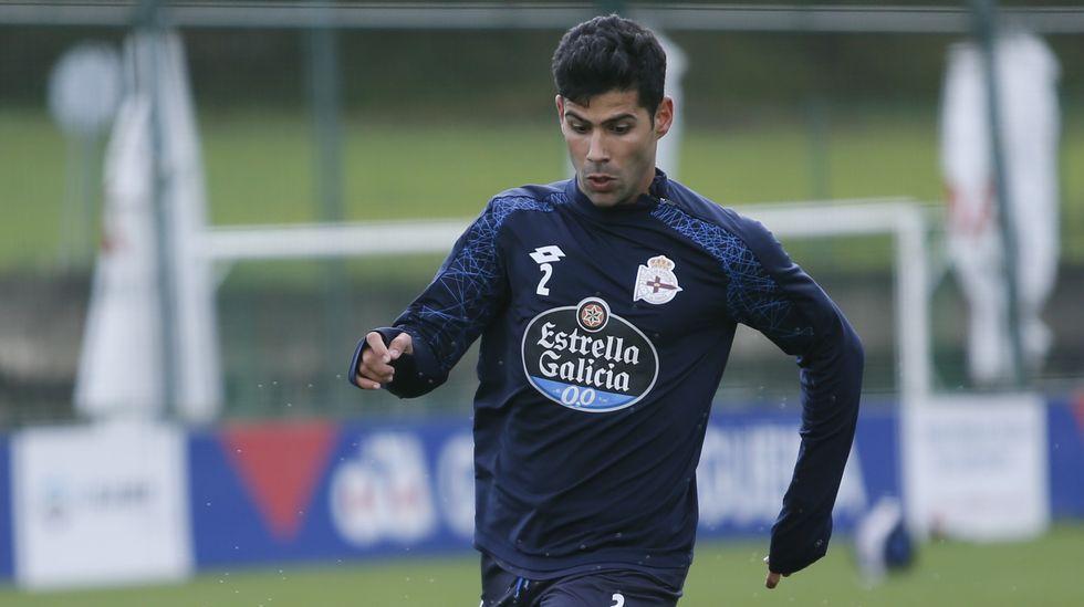 Juanfran | El club blanquiazul ejecutará la opción de compra del lateral, que tiene varios pretendientes
