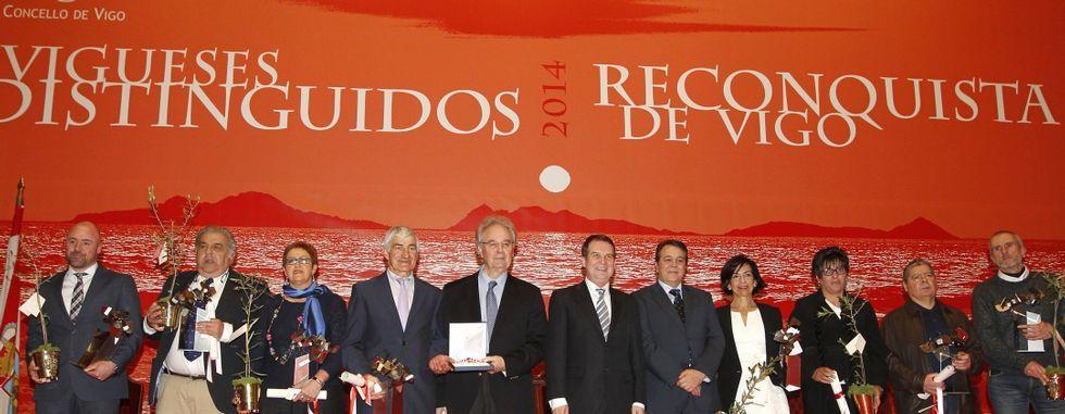 Imagen de la entrega de la medalla de oro del año pasado al naval y los galardones de Vigueses Distinguidos el 27 de marzo.