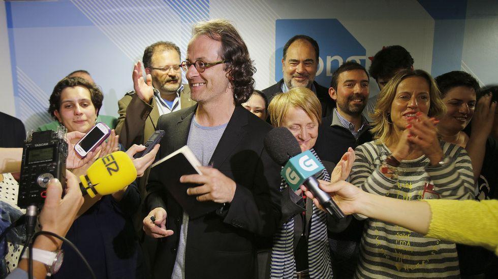 Xosé Manuel Carril se dirige a los simpatizantes del BNG tras conocer que saca un concejal.