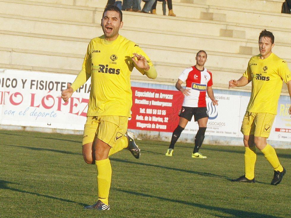 Suso Martínez (derecha) fichó esta semana por el Boiro.