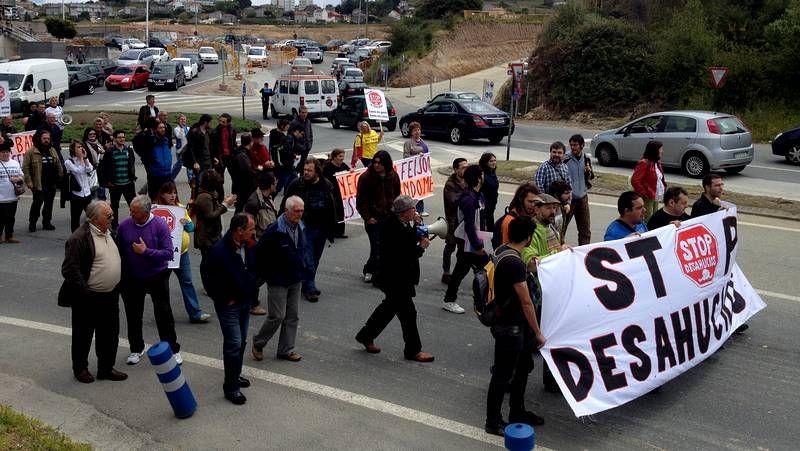 Manifestación de Stop Desahucios en apoyo a los expropiados del Ofimático
