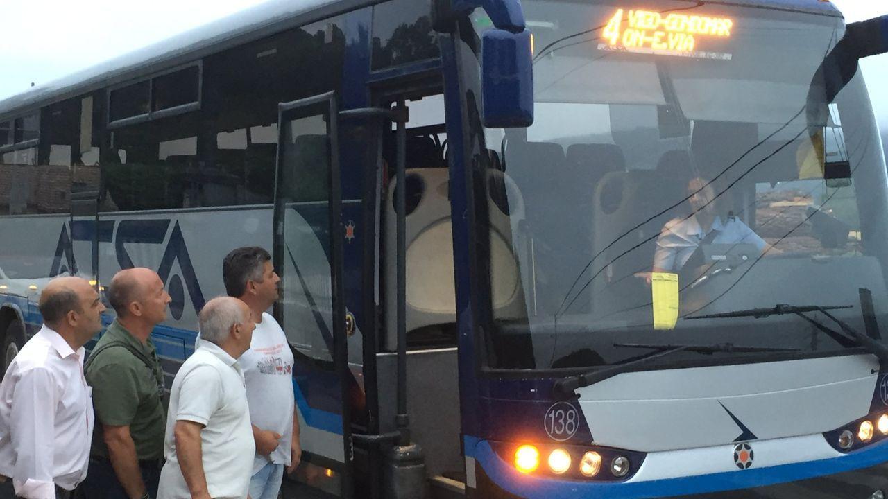 Luis Lópes, con camiseta amarilla, con origenes en Gondomar