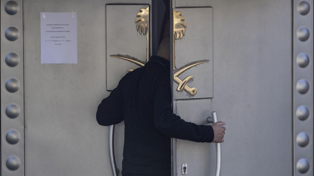 Entrada del consulado saudí en Estambul, Turquía