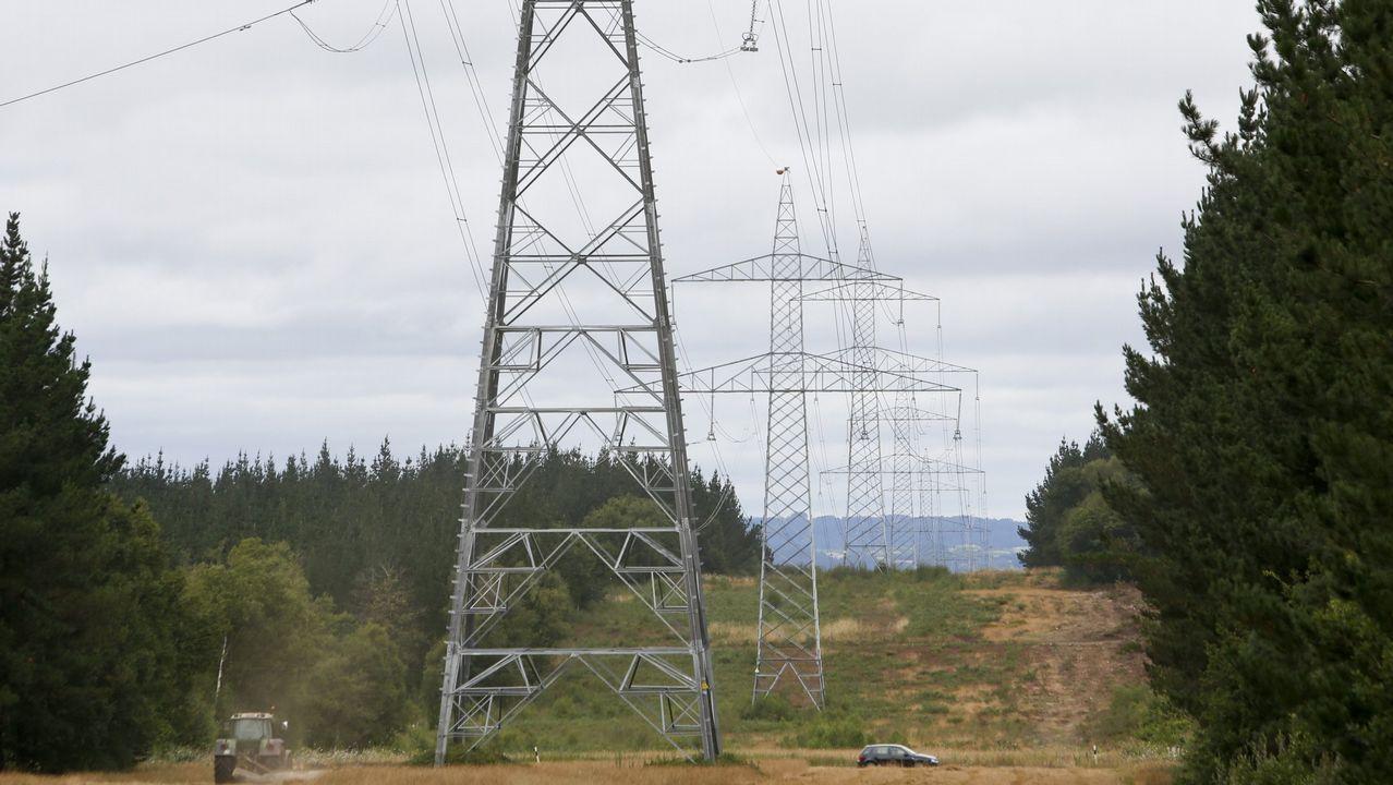 ¿Qué nos va a salir más caro en solo unas semanas?.Obras para la instalación de Gas Natural en A Laracha, hace doce años