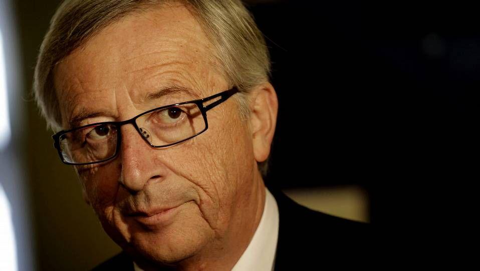 Juncker en el centro y Schulz a la derecha, dos viejas figuras de la política europea.