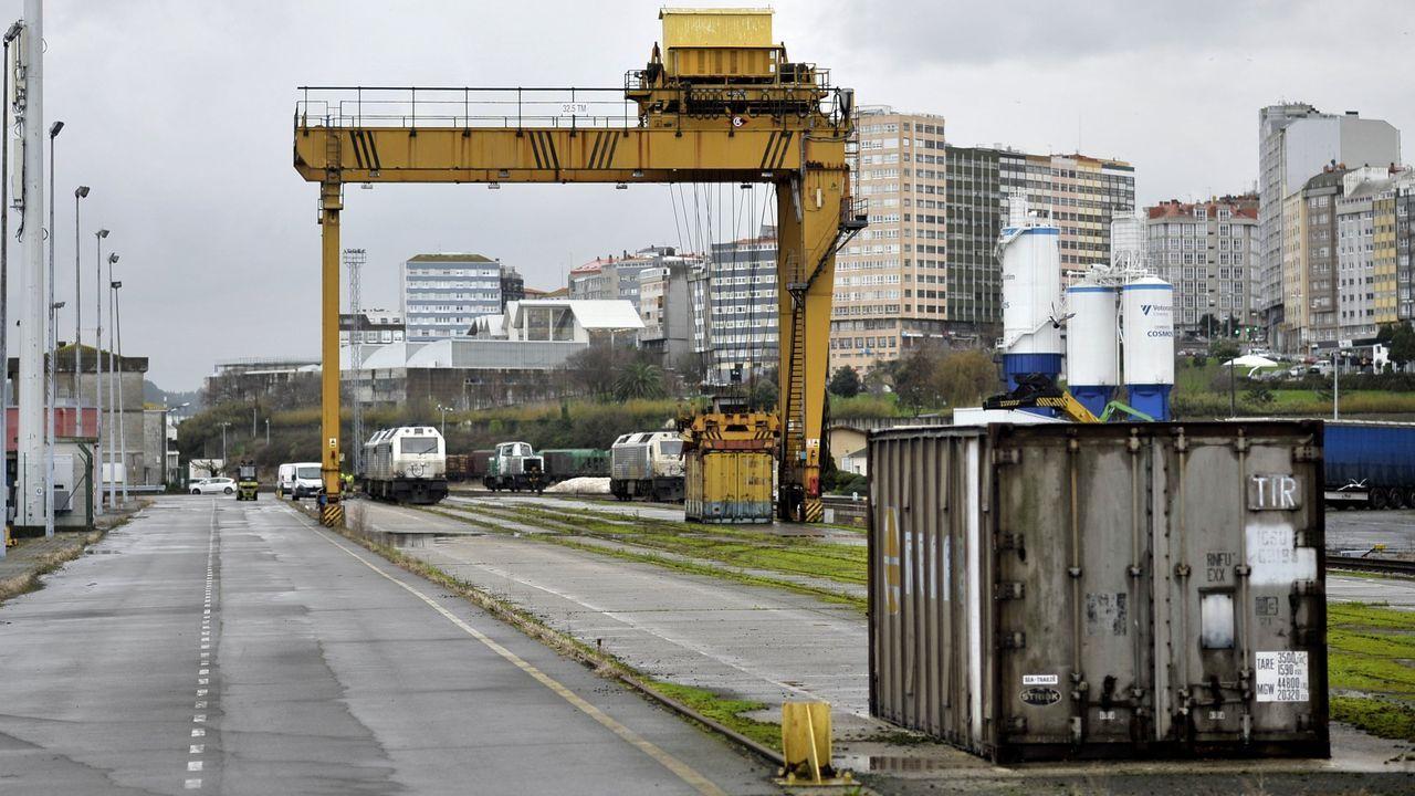 Las imágenes de la cumbre sobre el futuro del puerto de A Coruña.Instalaciones del puerto exterior de A Coruña en punta Langosteira